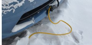 À partir de quelle température devrais-je brancher le chauffe-moteur de mon véhicule?